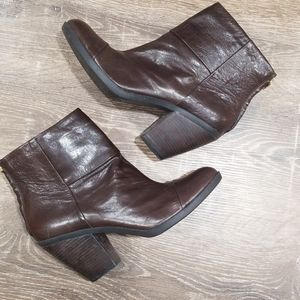 Bandolino brown leather ankle booties size 10